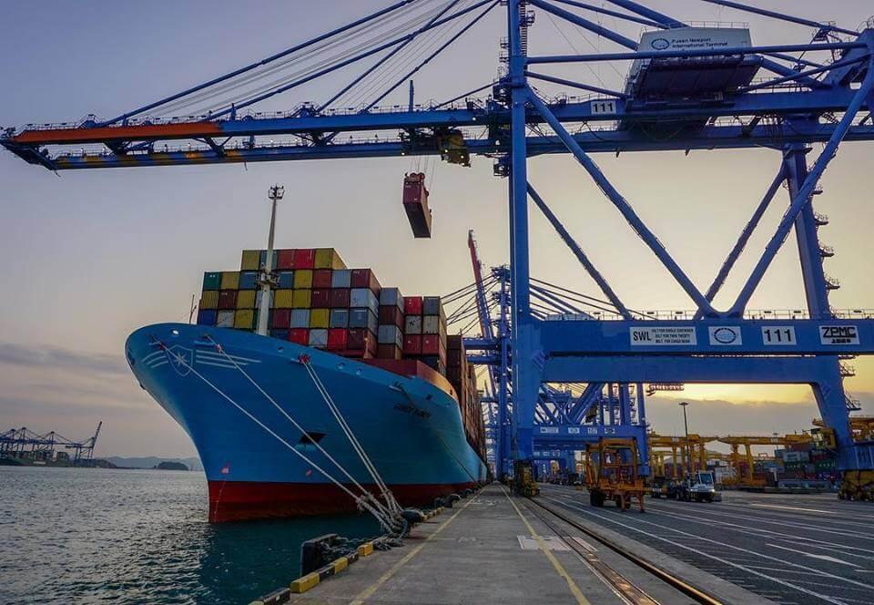 Dịch vụ vận tải biển tại cảng Nghi Sơn