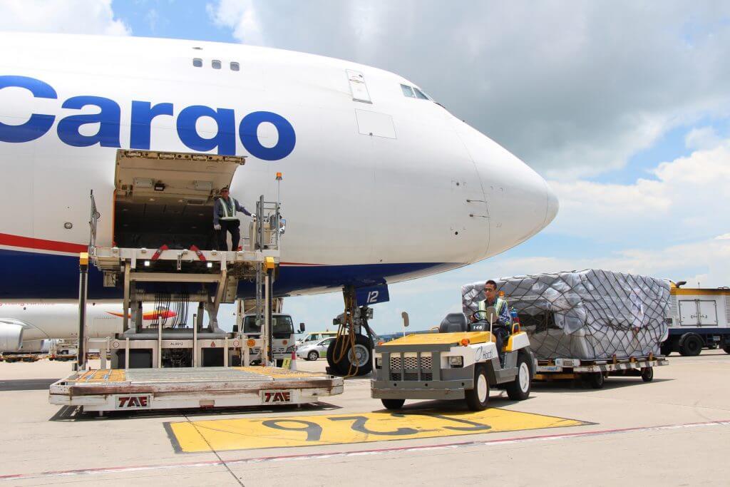 Vận chuyển hàng hóa bằng đường hàng không